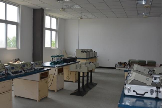 电线电缆性设计实验室灯箱纸测试图片